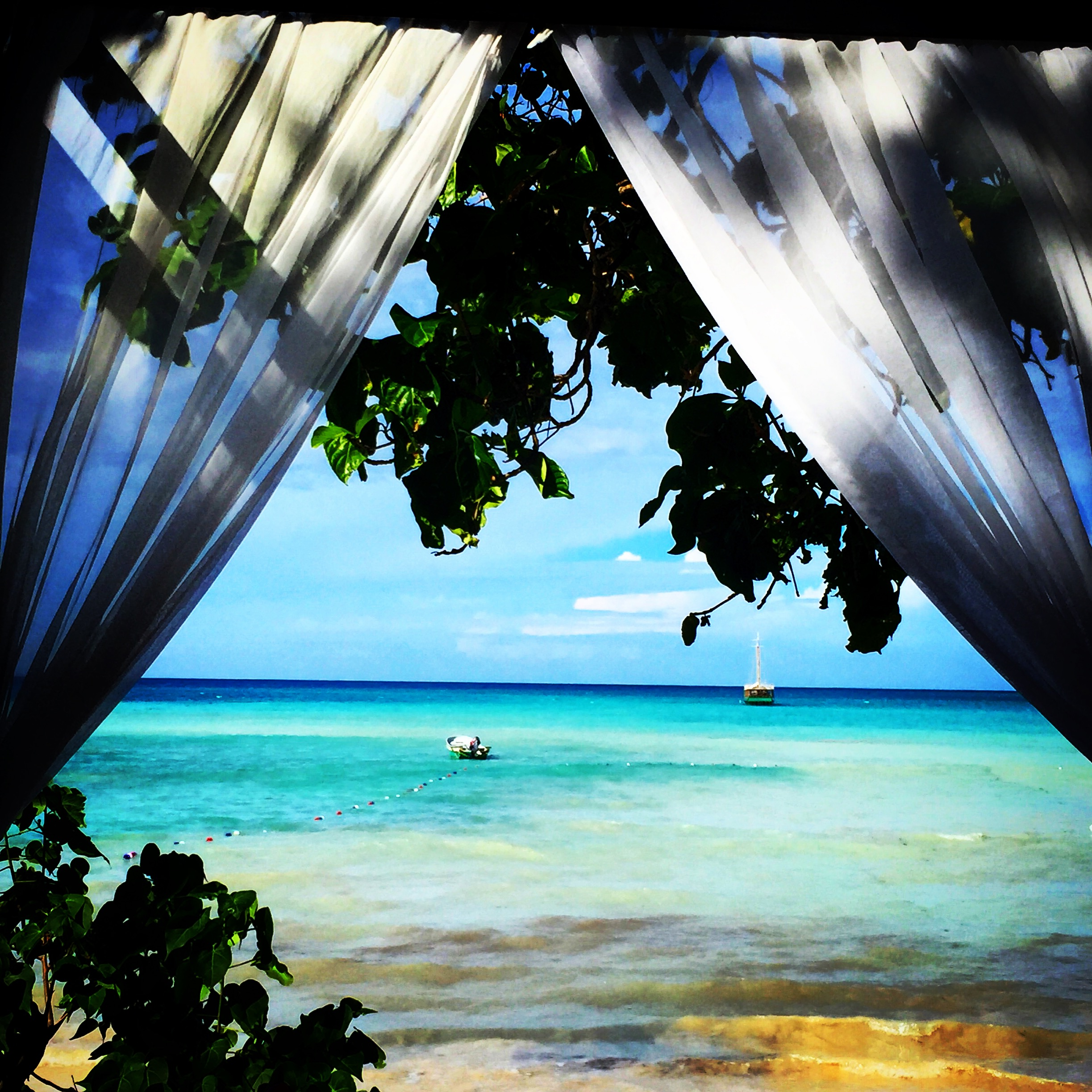 Paradise Island: Paradise Island, Cayo Arena, Dominican Republic : Gina Pacelli