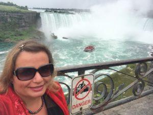 Gina Pacelli, Niagra Falls